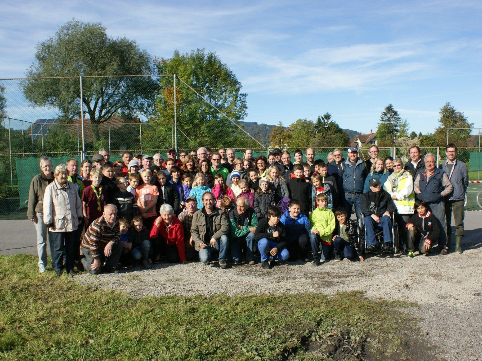 Die vielen freiwilligen Helfer reinigten die Gebiete vom Unrat