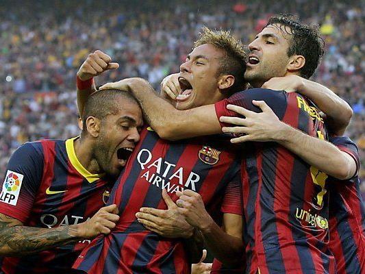 Jungstar Neymar (m.) traf zum 1:0 für Barcelona