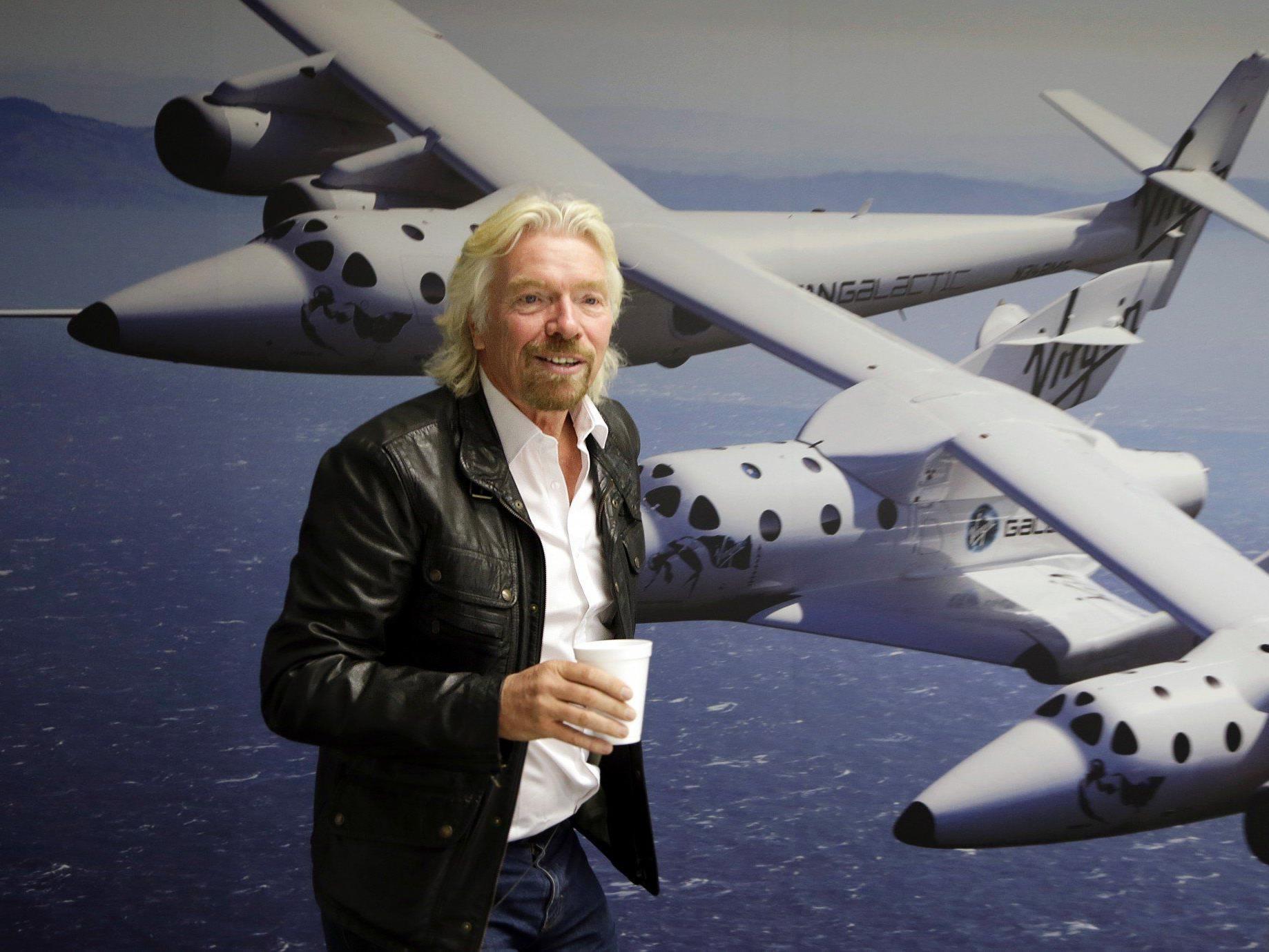 Branson in Wien gelandet - Erstflug ins All dauert aber länger