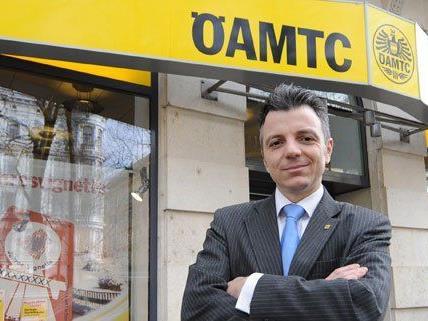 ÖAMTC-Verbandsdirektor Oliver Schmerold freut sich über den Neuentwurf der ÖAMTC-Zentrale.