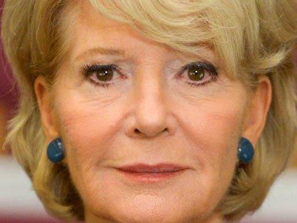 Schauspielerin Christiane Hörbiger genießt auch mit 75 Jahren ihr Leben.