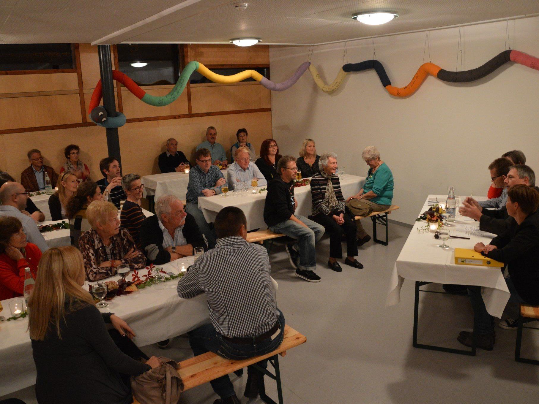Jahreshauptversammlung der Luschnouar Bühne im neuen Vereinslokal