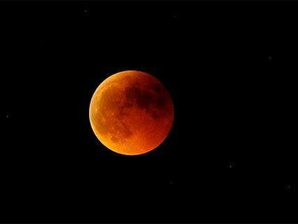 Fast unsichtbare Mondfinsternis in der Nacht auf Samstag