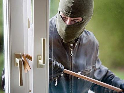 Durch ein Fenster war ein Einbrecher in ein Lokal gelangt
