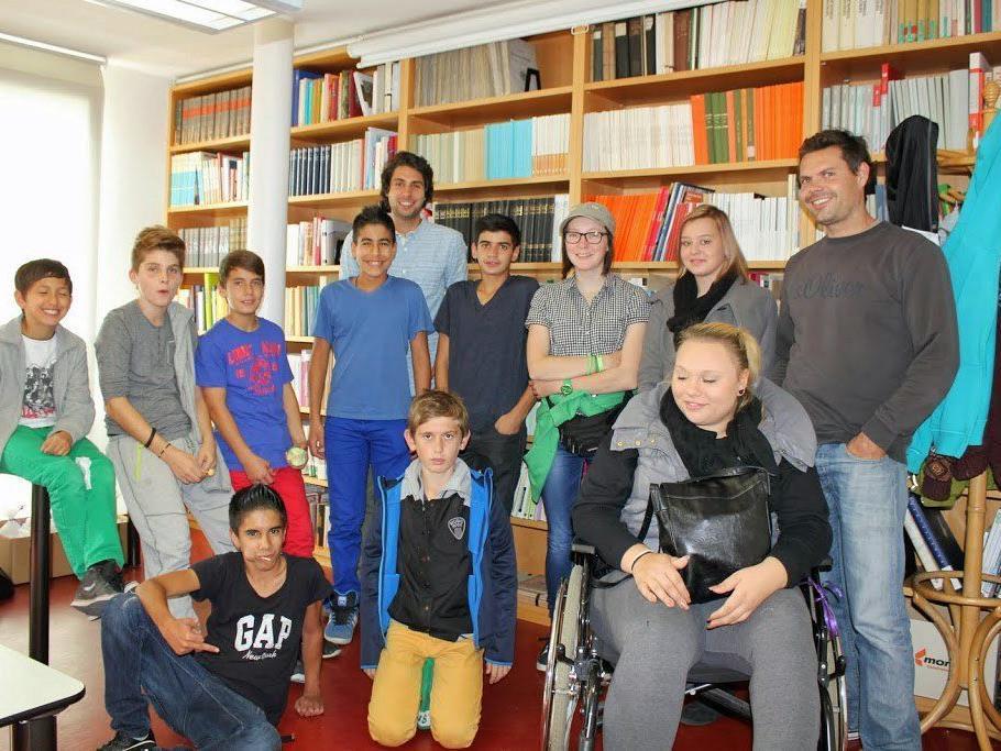 """""""Jugend in die Mitte der Gesellschaft. Eigene Wurzeln kennenlernen, neue Wurzeln schlagen"""" ist das Thema des """"Heimatprojekt Luschnou""""."""