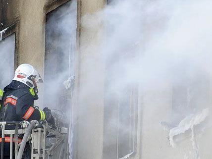 Wohnung in Wien – Donaustadt fing Feuer: Zwei Personen verletzt