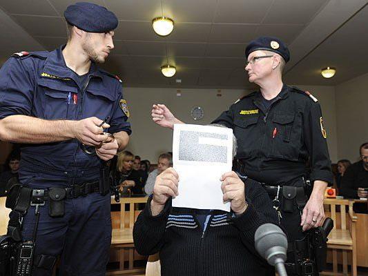 Der Angeklagte beim Prozess