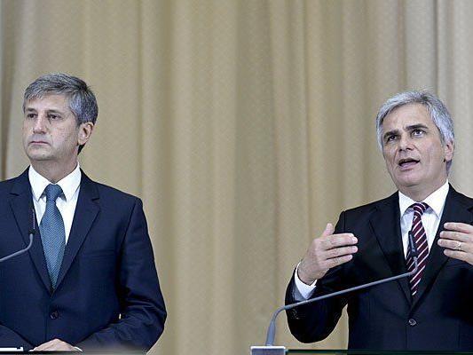 ÖVP-Chef Michael Spindelegger (l.) und SPÖ-Chef Werner Faymann werden am Dienstag ein Pressestatement abgeben