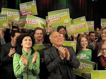 Freude in der Parteizentrale der Grünen am Wahltag.