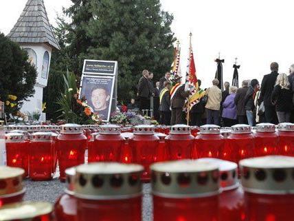 Zahlreiche Menschen kamen zu Jörg Haiders Trauerfeier.
