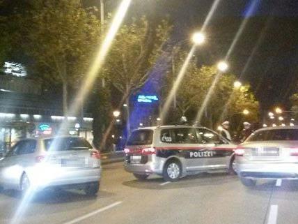 In der Nacht auf Samstag sorgte eine Polizeikontrolle für Stau.