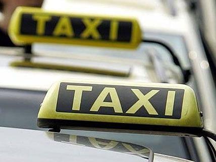 Mann schlug auf Taxilenker in Wien-Döbling ein