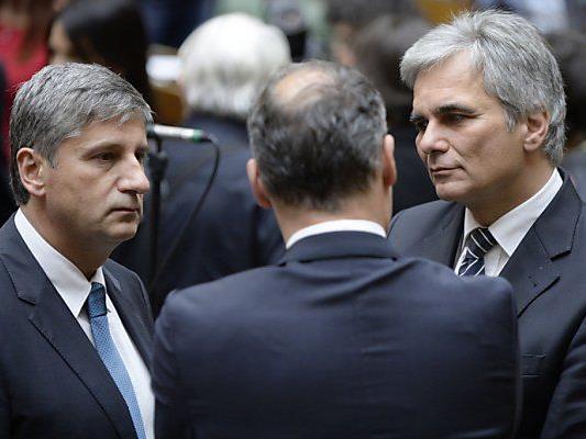 Regierung könnte auch Politikerpensionen kürzen