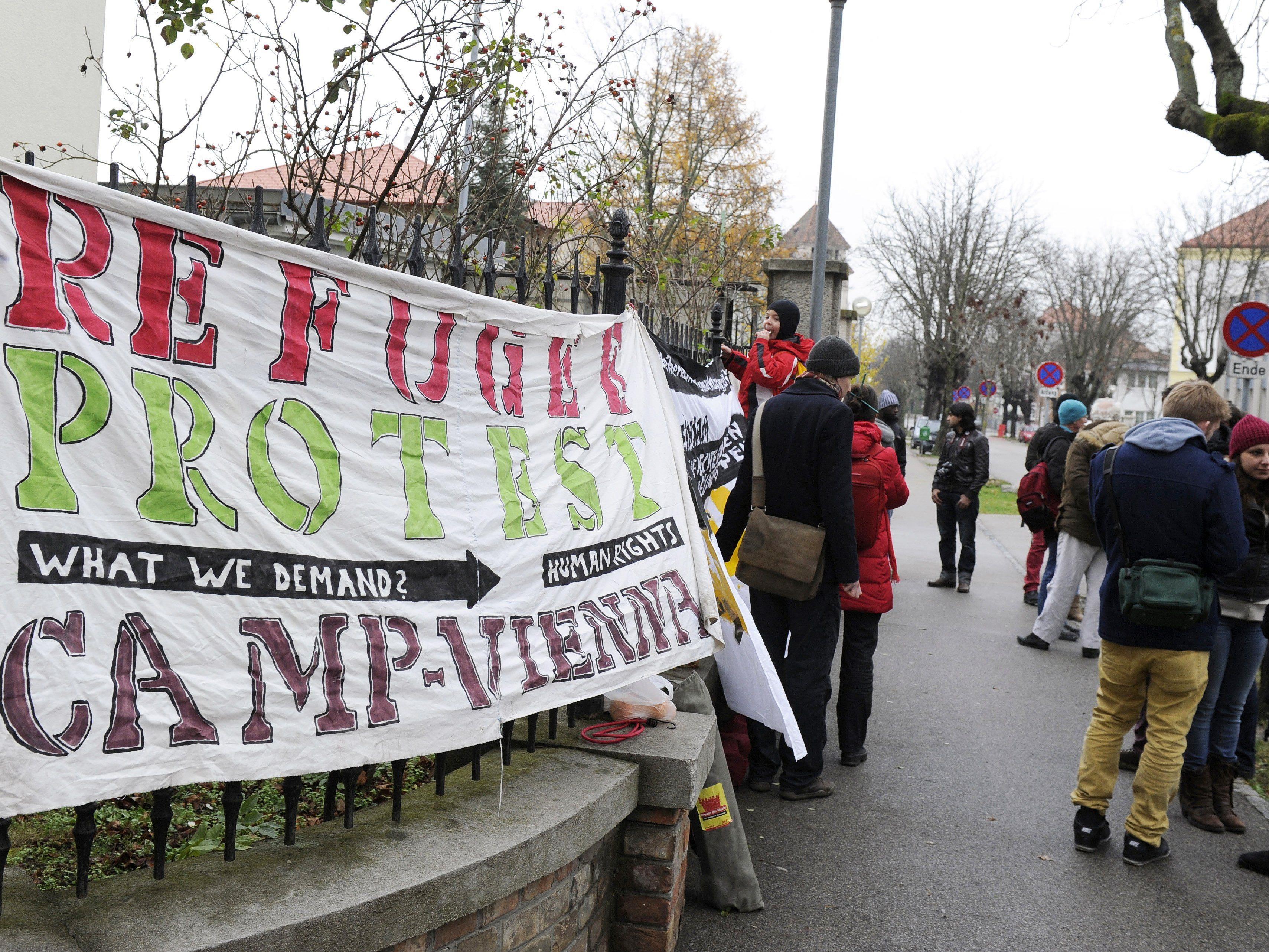 """Ein Jahr """"Refugee""""-Protestmarsch"""
