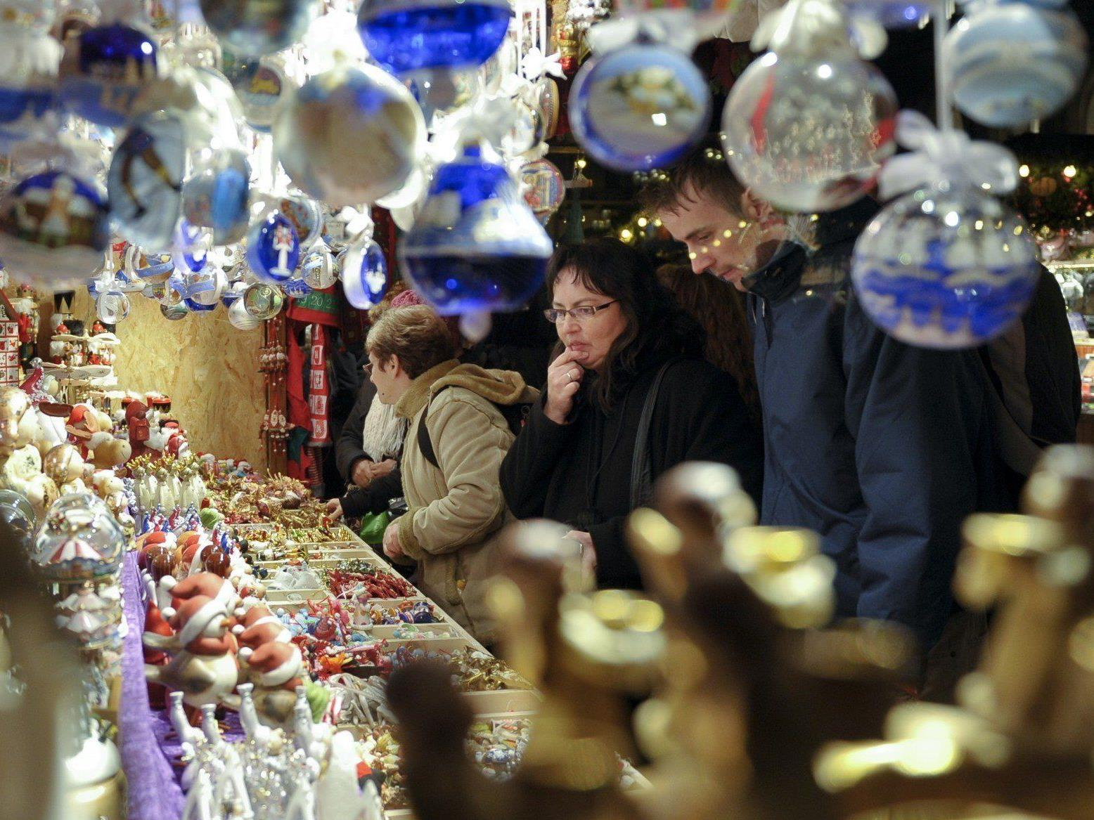 VIENNA.AT präsentiert 10 Fakten rund um Wiens Adventmärkte.