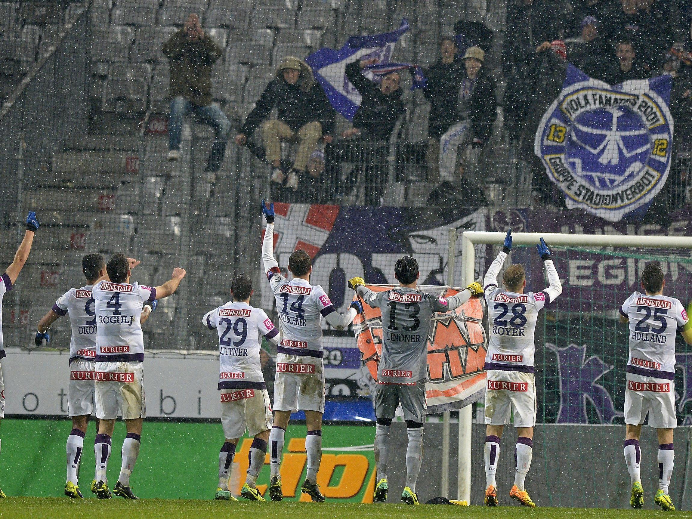 Fußball: Innsbruck - Austria 3 - Meister weiter auf dem Vormarsch