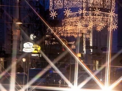 Begehbarer Adventkalender an der Gumpendorferstraße