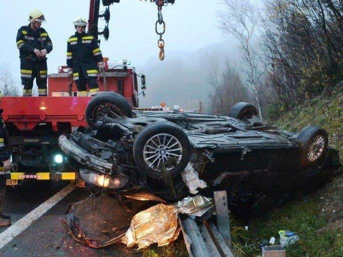 Auf der A2 kam es am Donnerstag zu einem schweren Verkehrsunfall.