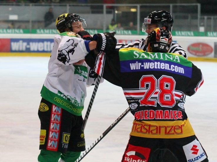 Harte Bandagen gab es beim Klassiker zwischen VEU Feldkirch und EHC Lustenau vor 3100 Fans.