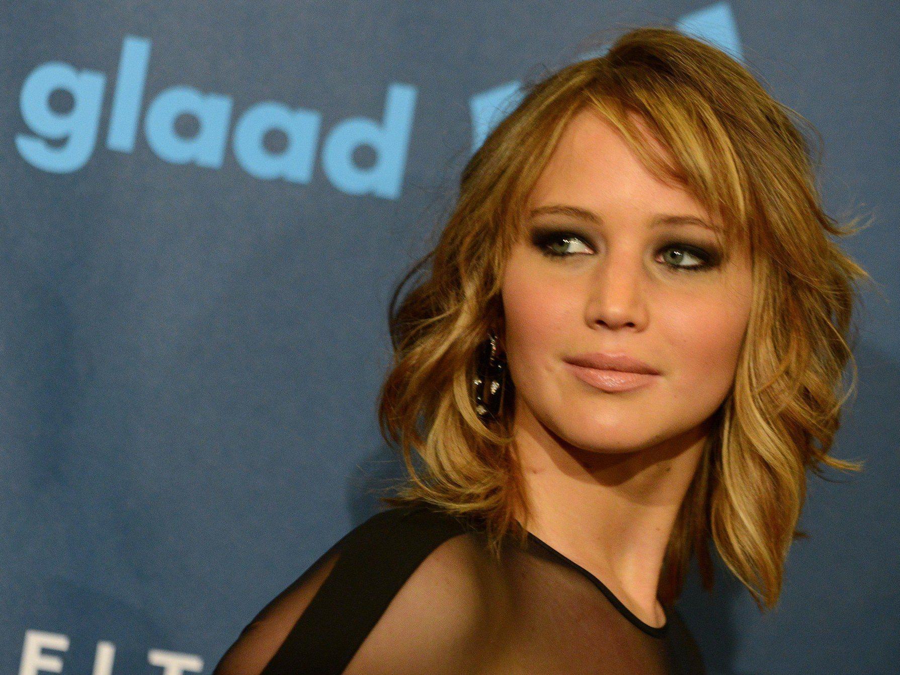 Jennifer Lawrence kritisiert Stars die über Politik reden.