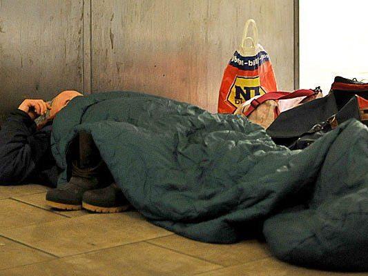 Ein Obdachloser verstarb über Nacht nahe dem Wienfluss
