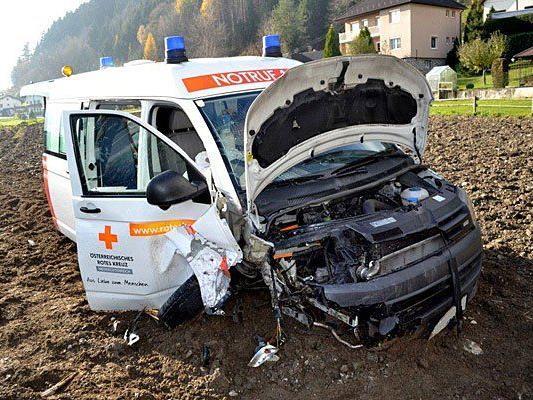 Der verunfallte Rettungswagen
