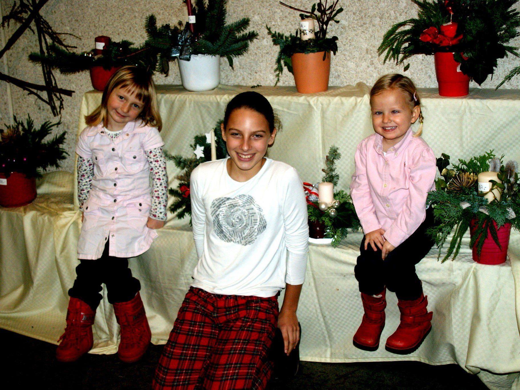 Paula, Franca und Tabea freuen sich auf Weihnachten