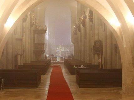 Vor dem Dom in Wiener Neustadt kam es zur Festnahme.