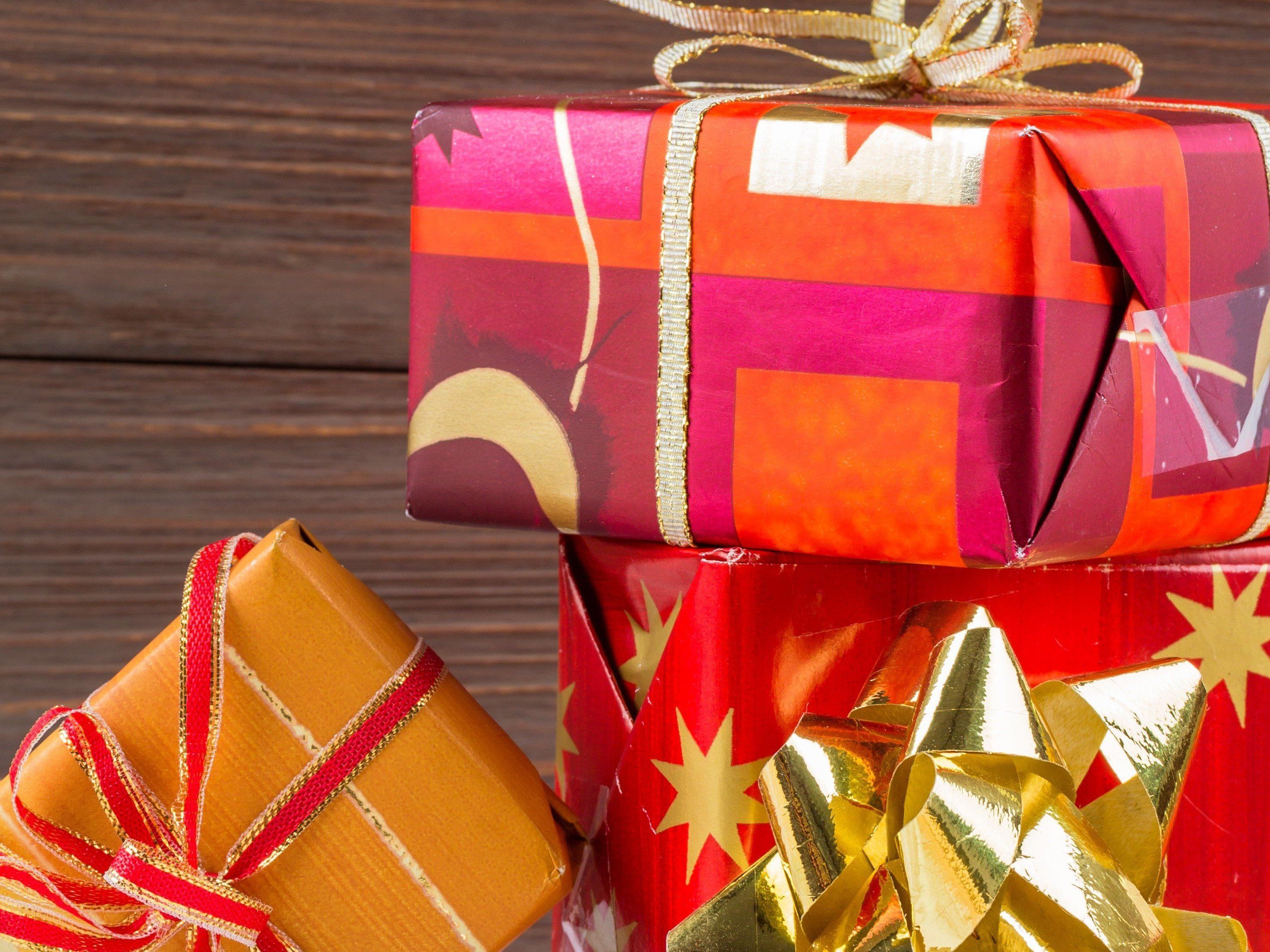 Wir haben 13 günstige Geschenkideen für Sie gesammelt.