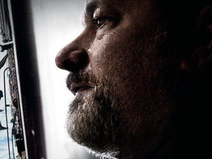 Tom Hanks wird als Captain Phillips von somalischen Piraten entführt.