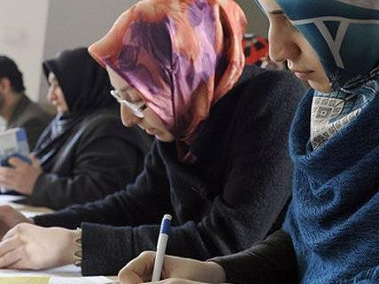 Fachleute fordern Stärkung der Mehrsprachigkeit in Wien