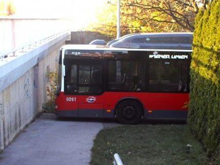 Endstation Sackgasse für einen Bus der Linie 66A.