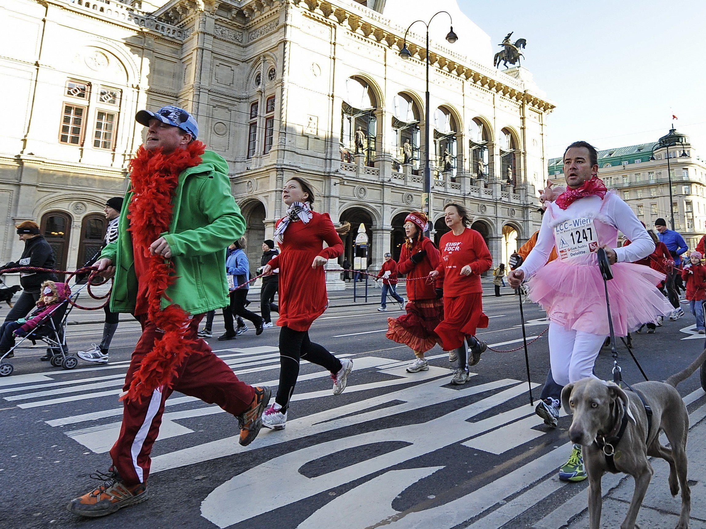 Am 31. Dezember findet auf der Wiener Ringstraße der Silvesterlauf statt.