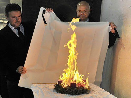 StR Ludwig und LTP Kopietz warnen vor Christbaum- und Adventkranzbränden