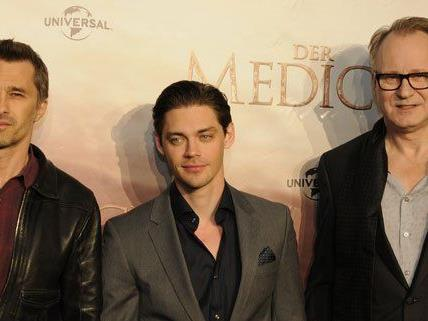 Der Medicus-Darsteller Tom Payne, Olivier Martinez und Stellan Skarsgard im Interview