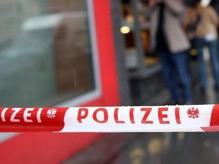 Pärchen flüchtet nach Raubüberfall in Wien Mariahilf