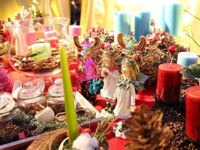 Der kleinste Adventmarkt Wiens schlägt im 8. Bezirk seine Zelte auf.