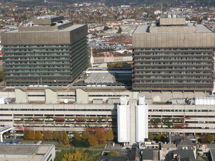 Erneut gibt es Personalkrach bei den Wiener Universitätskliniken.