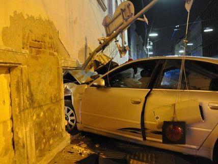 Die gesamte Familie befand sich bei dem Unfall im Auto.