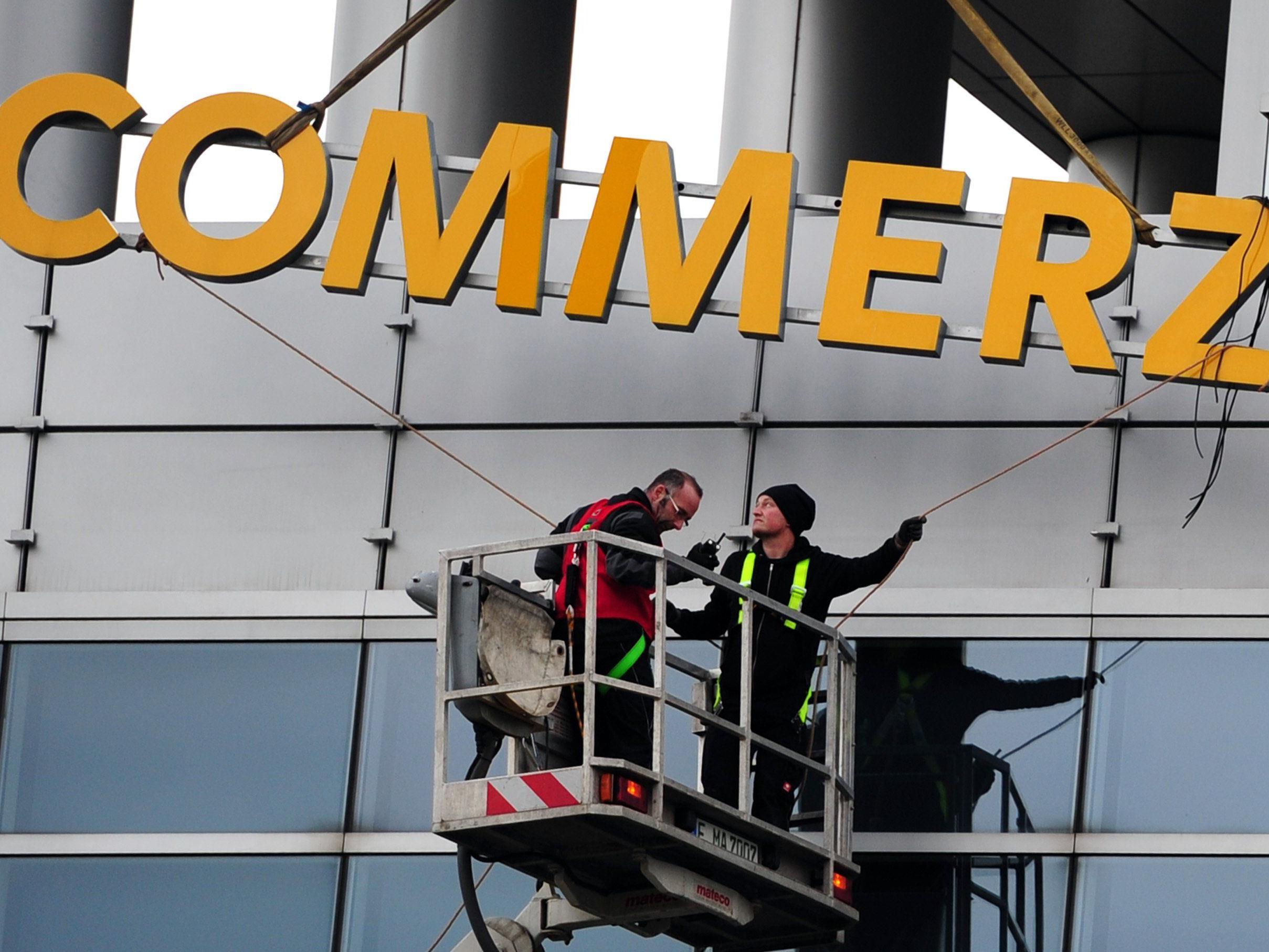 Razzia bei der deutschen Commerzbank.