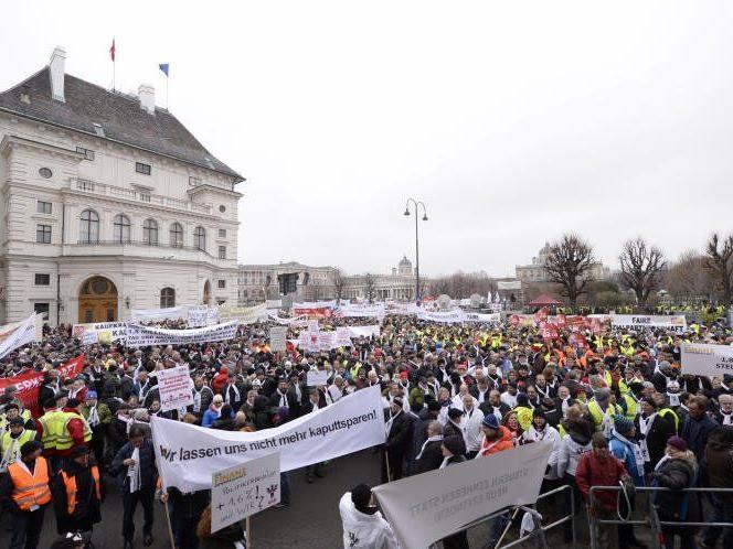 Protestaufmarsch der Beamten in Wien.
