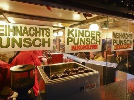 Die AK hat in Wien Punsch und Glühwein getestet.