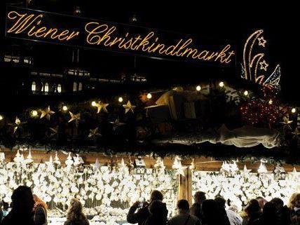 Die Redaktion von VIENNA.AT hat die Weihnachtsmärkte in Wien getestet.