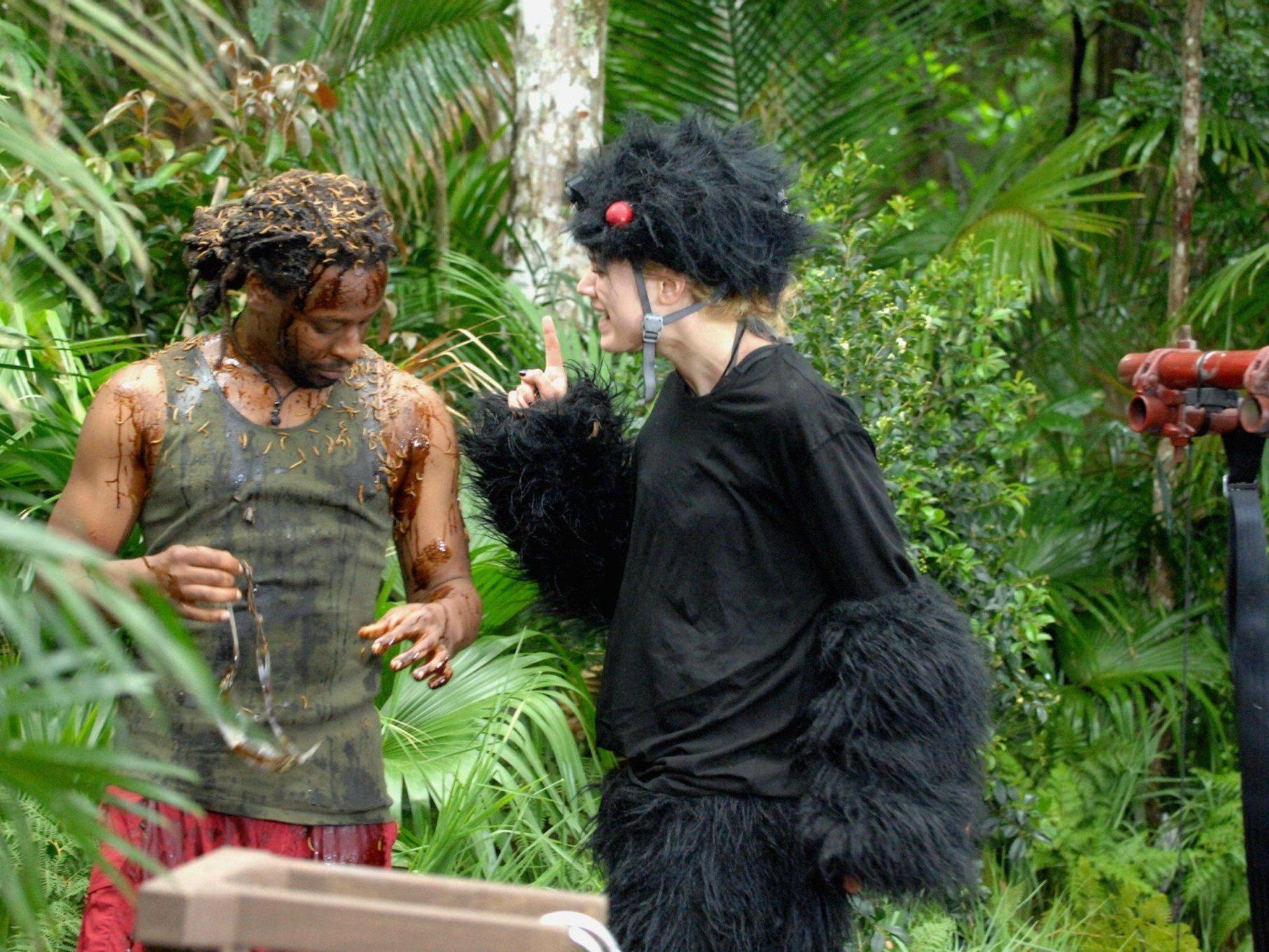 Dschungelcamp 2014: Nach der abgrebrochenen Dschungelprüfung liegen die Nerven bei Larissa blank.