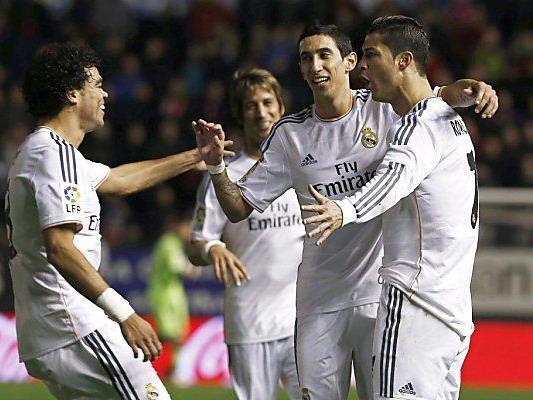 Weltfußballer Ronaldo in gewohnter Pose