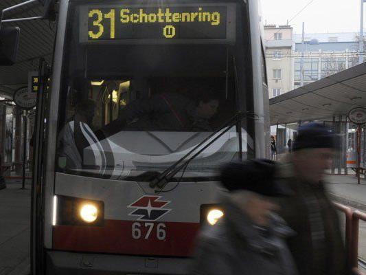 Wiener Straßenbahnfahrer nach Attacke außer Lebensgefahr