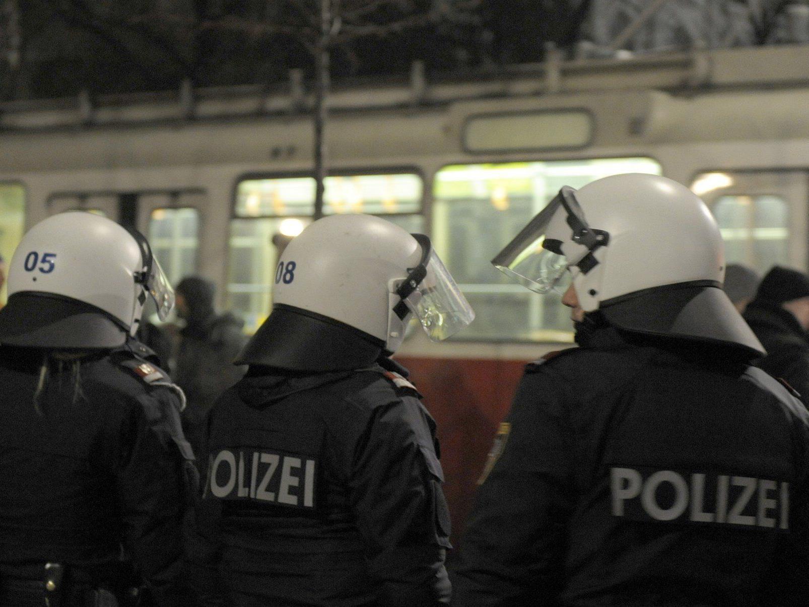 Verkehrsinfo: Demonstrationen behindern Öffis