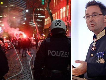 Pürstl verwehrte sich zunächst gegen die Kritik am Polizeieinsatz beim Akademikerball - nun rudert er zurück