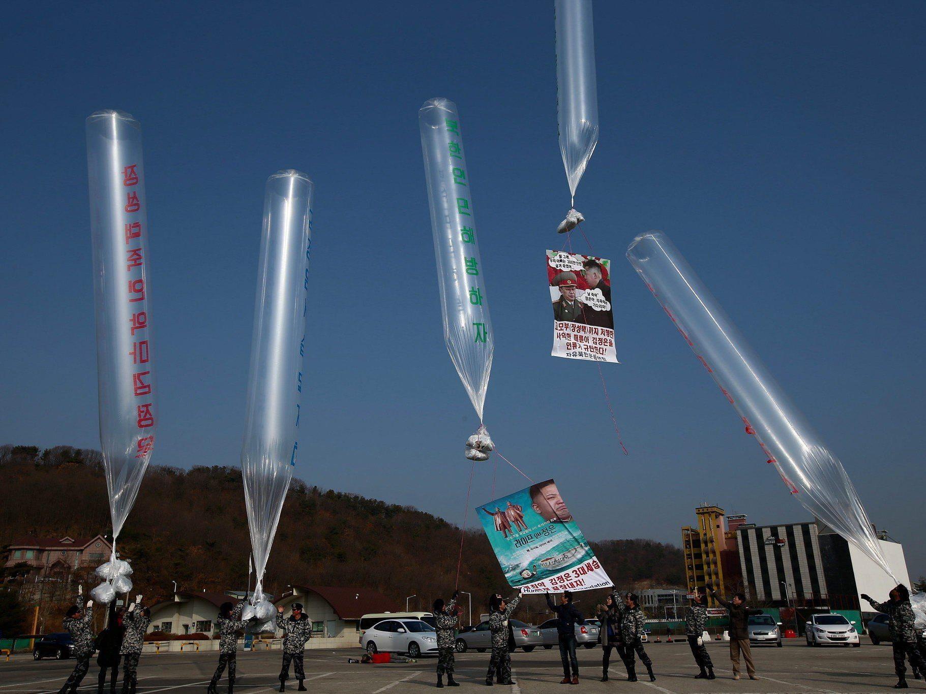 Aktivisten schicken erneut Ballons mit Flugblättern und Datenträgern nach Nordkorea.