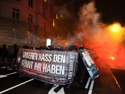 Akademikerball - Mehrere Tausend Demonstranten